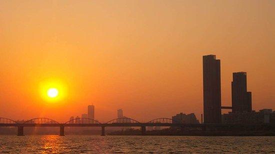 Hangang Park: Bridge over Han River. Sunset, October 2015