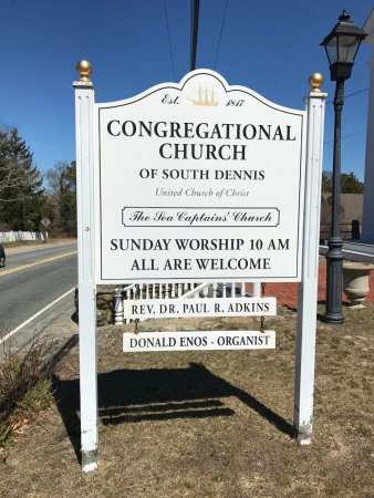 South Dennis, MA: road side sign