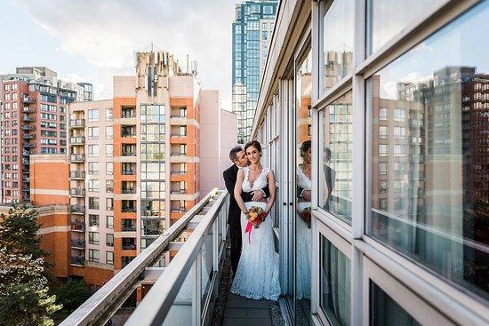 Opus Hotel: Balcony in Signature Suite