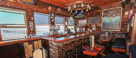 Кейккос, Калифорния: Best bar on the Central Coast!
