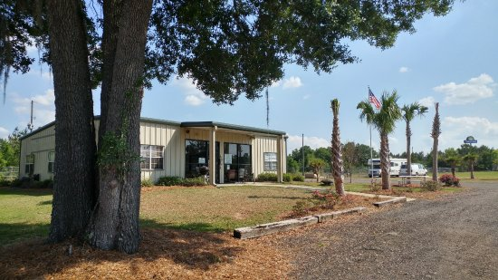 Lamont, FL: office and clubhouse