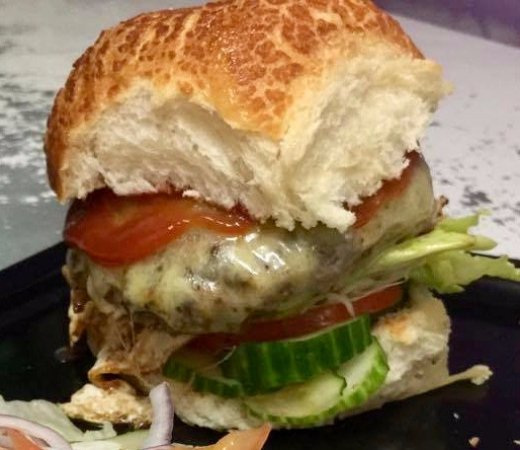 Cow Bay, Australia: Gotta love an Ozi burger