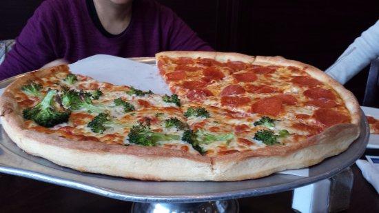 Kent, CT: large pie