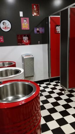 Invercargill, New Zealand: One of the themed restrooms