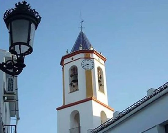 Tolox, España: Torre de la iglesia parroquial