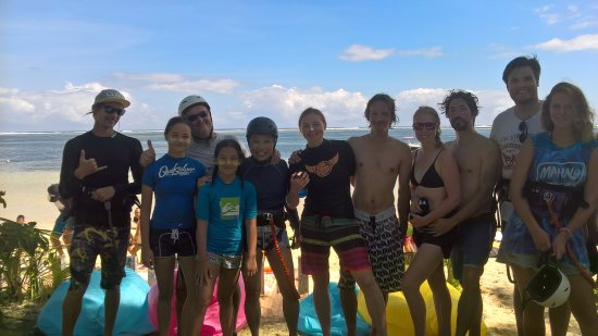 Santa Fe, Filippinerna: Family and friends.  We are more then just a Kitesurfing school.