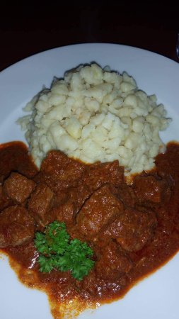 Citadella Restaurant: Hungarian beef stew with paprika