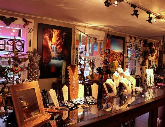 Sorella Gallery