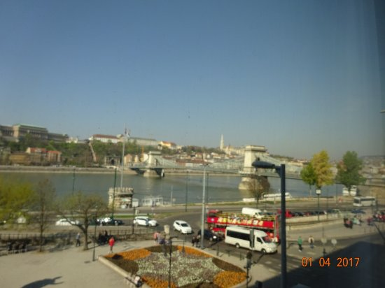 Sofitel Budapest Chain Bridge: Nice view