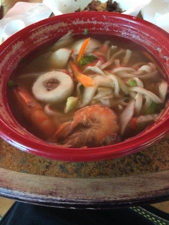 แคมาริลโล, แคลิฟอร์เนีย: Salty seafood ramen soup