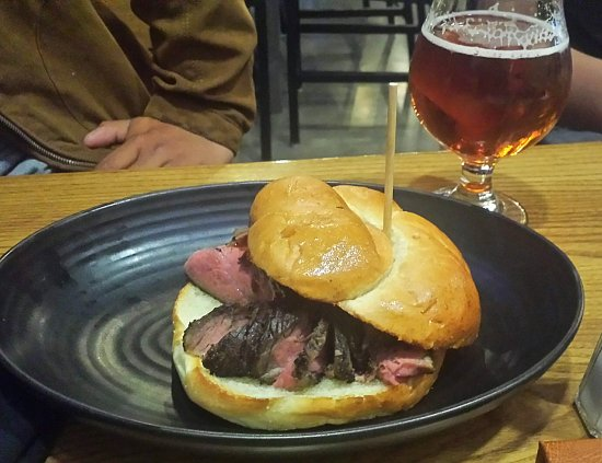 Clovis, Califórnia: Tasty tri tip burger.