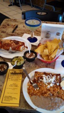 Troy, MI: La Botana's tiny Enchiladas and Wet Burrito w/o Beans and Rice