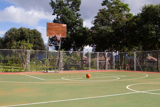 Paksong, Laos: Basketball court