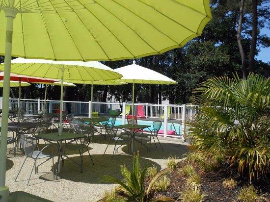 Caudan, Frankreich: terrasse & piscine