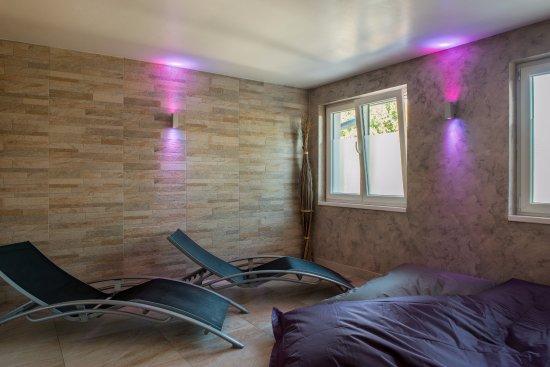 Bischwihr, Francia: espace détente dans le spa