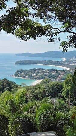 Karon View Point: Si possono vedere le tre spiaggie Kata Beach, Karon Beach e Patong Beach