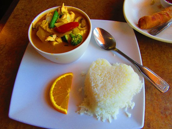 Fairfax, Kalifornia: Chicken Red Curry