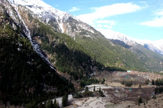Sangla, Indien: Village Batseri on the bank of river Baspa between Rakchham-Sangala