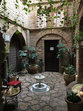 patio - Picture of Hammam Al Andalus Banos Arabes, Cordoba - TripAdvisor