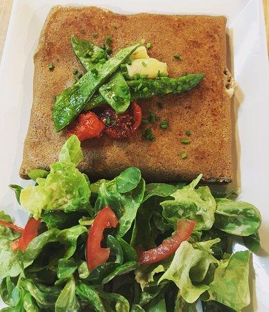 Juvignac, France: Notre galette végétarienne aux légumes frais du moment