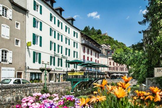 Meyrueis, France: terrasse sur rivière