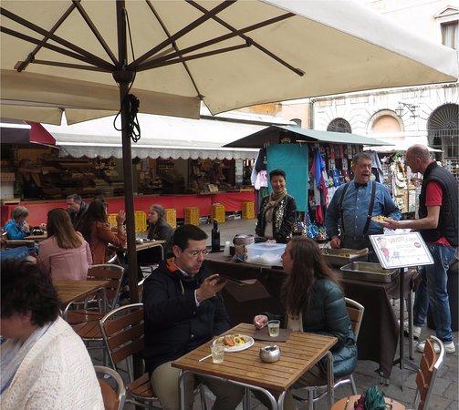 Freiluft-Lunch des Muro Rialto auf dem Campo Bella Vienna