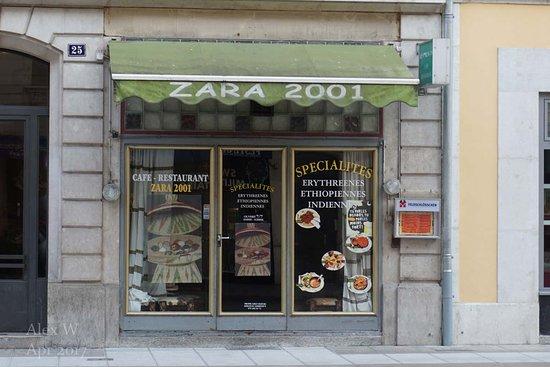 Zara 2001照片