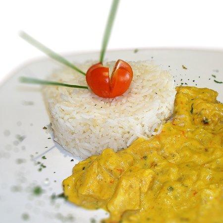 El Albir, España: Promo Del Dia de lunes : Arroz Basmati con pollo curry