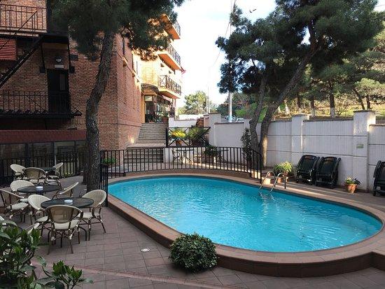 Betsy's Hotel: photo1.jpg