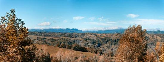 Novafeltria, Italia: Uno squardo sulle infinite cime del Apennino