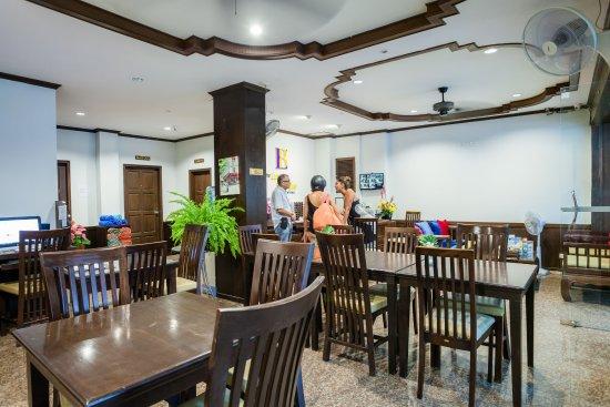 Luxur boutique hotel patong bewertungen fotos for Was sind boutique hotels