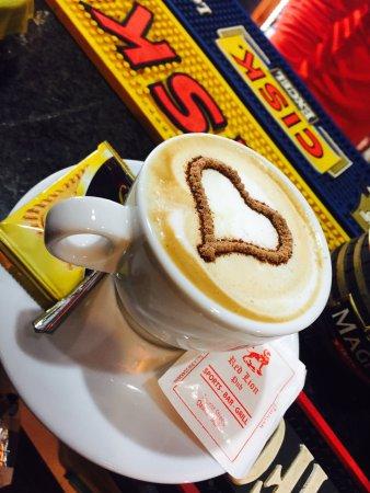 Red Lion Pub: Cappuccino