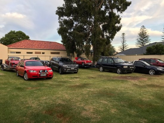 Adelaide International Motel: stay and park, storage for your vehicle while you travel, surcharges apply