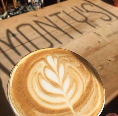 Monty's Cafe