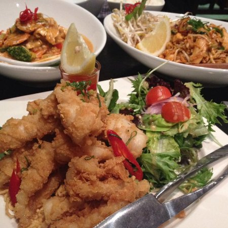 Pennant Hills, Australia: Salt N Pepper Squid, Chicken Pad Tai.