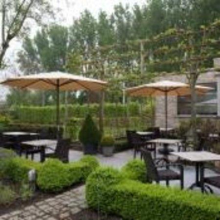 Ichtegem, Belgium: Zalig terras, buiten eten is mogelijk!