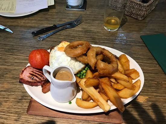 Whitchurch, UK: Pie of the day Mixed grill Sunday roast