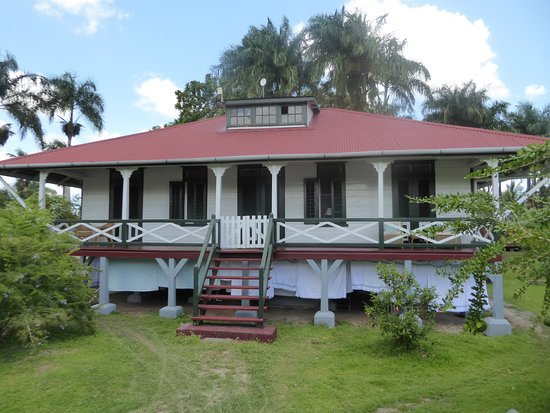Commewijne District, Surinam : one of several guesthouses