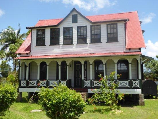 Commewijne District, Suriname: an attractive building