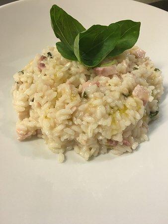 I Picari il ristorante: risotto con pesce spada, limone e basilico fresco