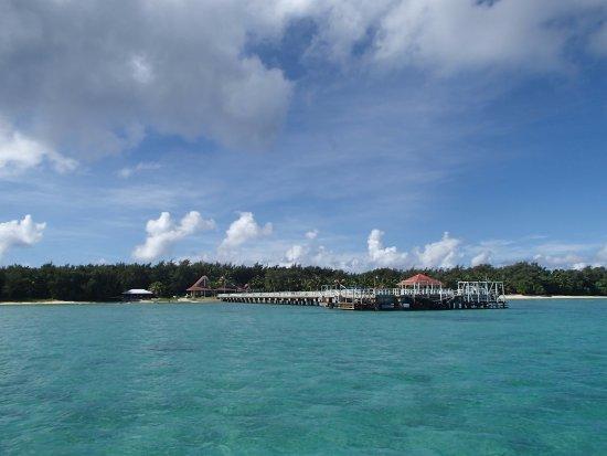 ココス アイランド リゾート , 船でココス島にわたります、海はきれい