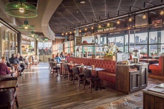 Inside Esquires Coffee Navan