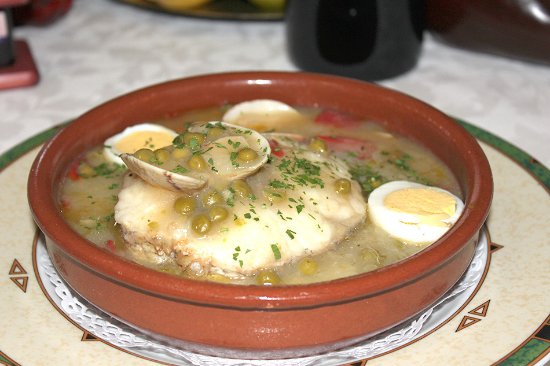 Merluza a la vasca sin gluten del restaurante As de Bastos de Majadahonda