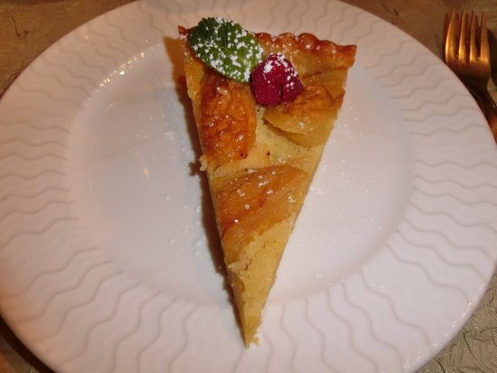 Le Cannet-des-Maures, Francia: Apple tart