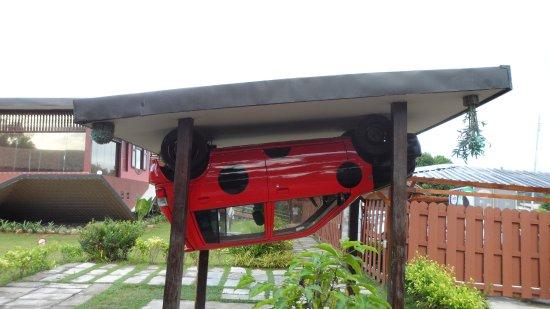 Tamparuli, Malaysia: car upstair