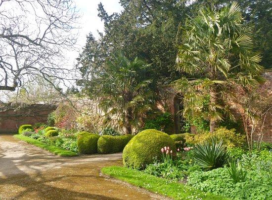Corsham Court: Gardens