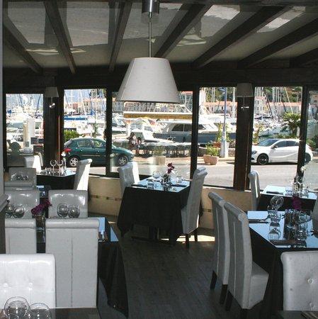 La baie des anges saint mandrier sur mer restaurant for Restaurant st mandrier