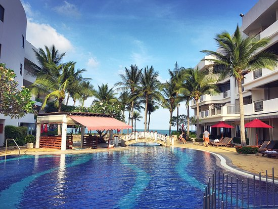 Imperial Hua Hin Beach Resort สระว ายน ำ Free Form ม โซนพ นเร ยบ