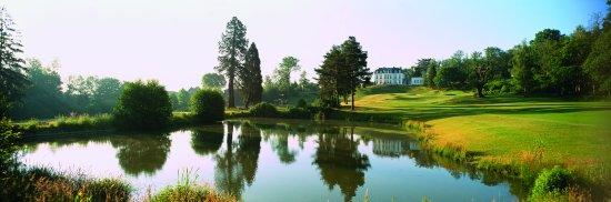 Poissy, Francja: Vue du départ du trou n°18 Exclusiv Golf de Béthemont