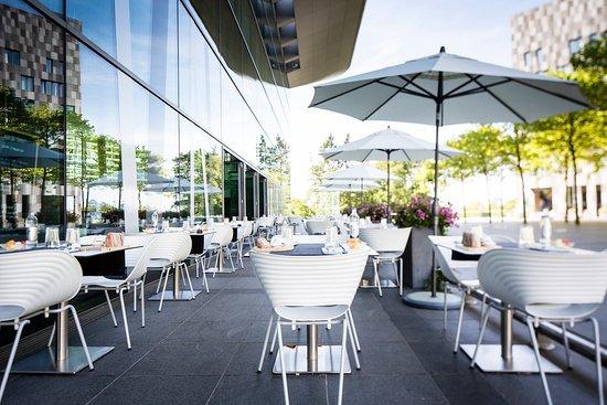 la terrasse picture of la table du belvedere luxembourg. Black Bedroom Furniture Sets. Home Design Ideas